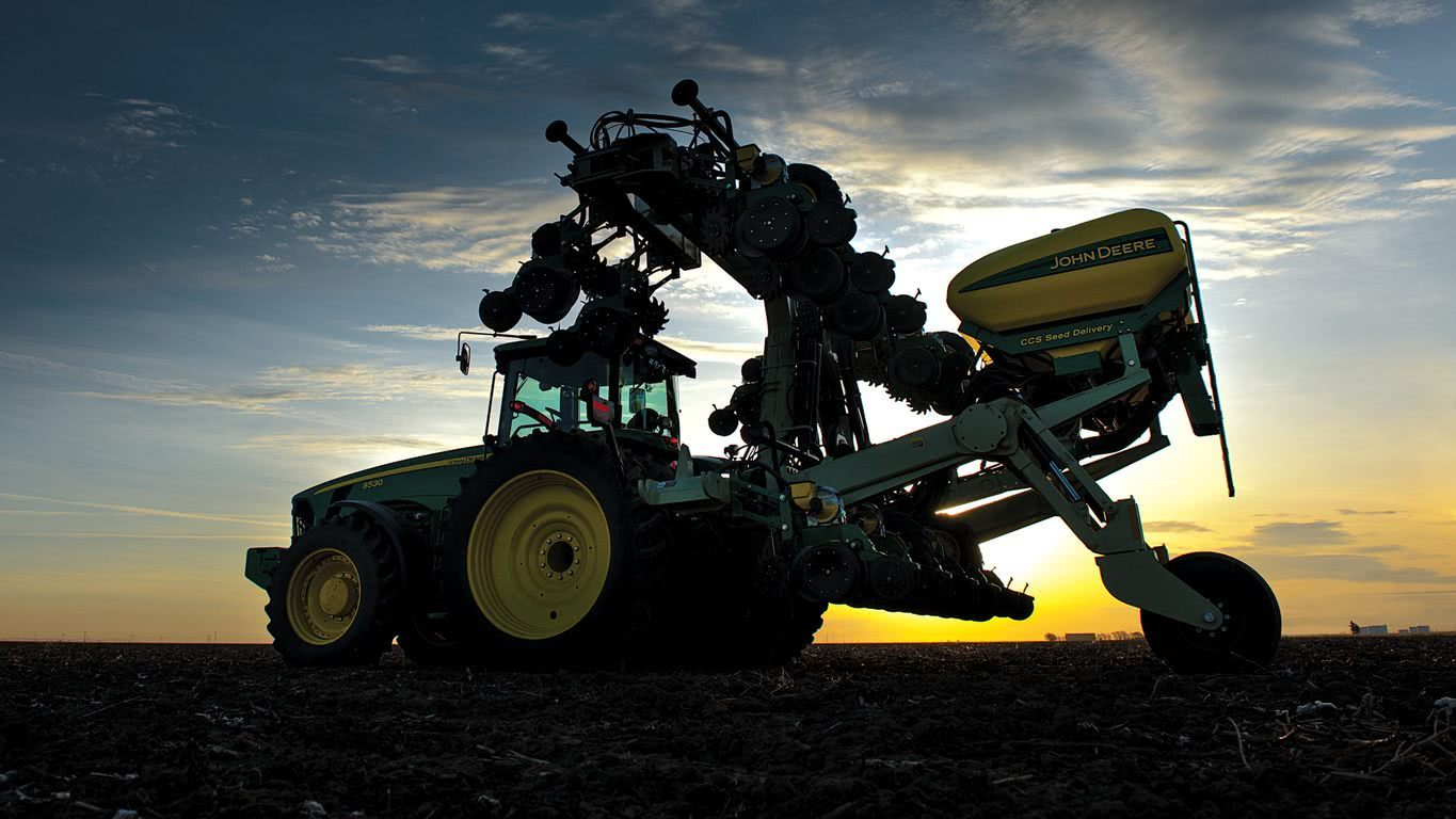John Deere DR12 Product Photo