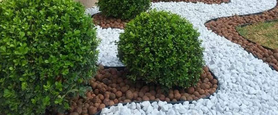 White Marble Chips Landscaping Rocks Everglades Equipment