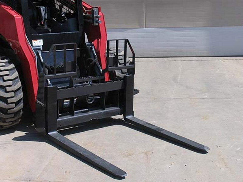 Paladin Attachments Walk-Thru Pallet Forks Product Photo